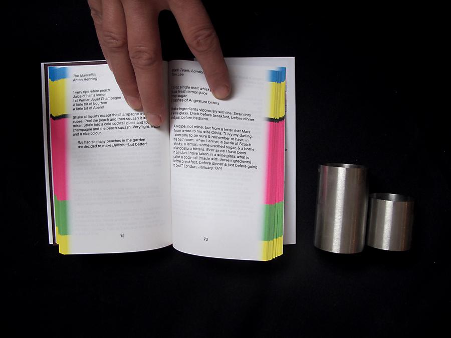 La section du texte précède la section des images.